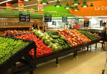 Argentina quita el IVA a alimentos frente a devaluación