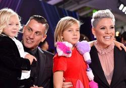 Pink estalla por críticas a sus hijos