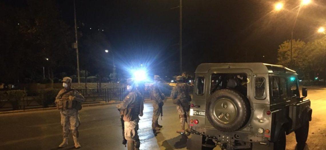 Chile impone toque de queda; estabiliza brote