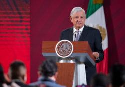 Llama López Obrador a 'conservadores' a la unidad